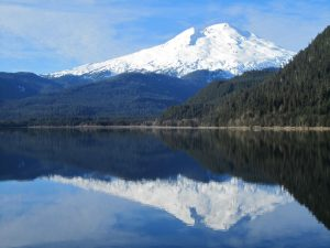 mount_baker_guided_day_hikes_baker_lake