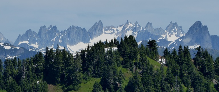 guided day hiking north cascades - Picket Range view from Sauk Mountain