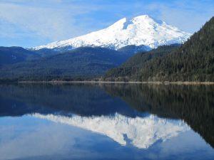 mount_baker_guided_day_hikes_baker_lake