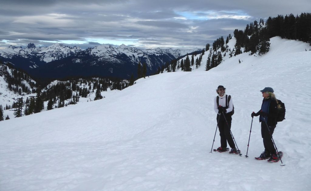 snowshoeing north cascades - snowshoers