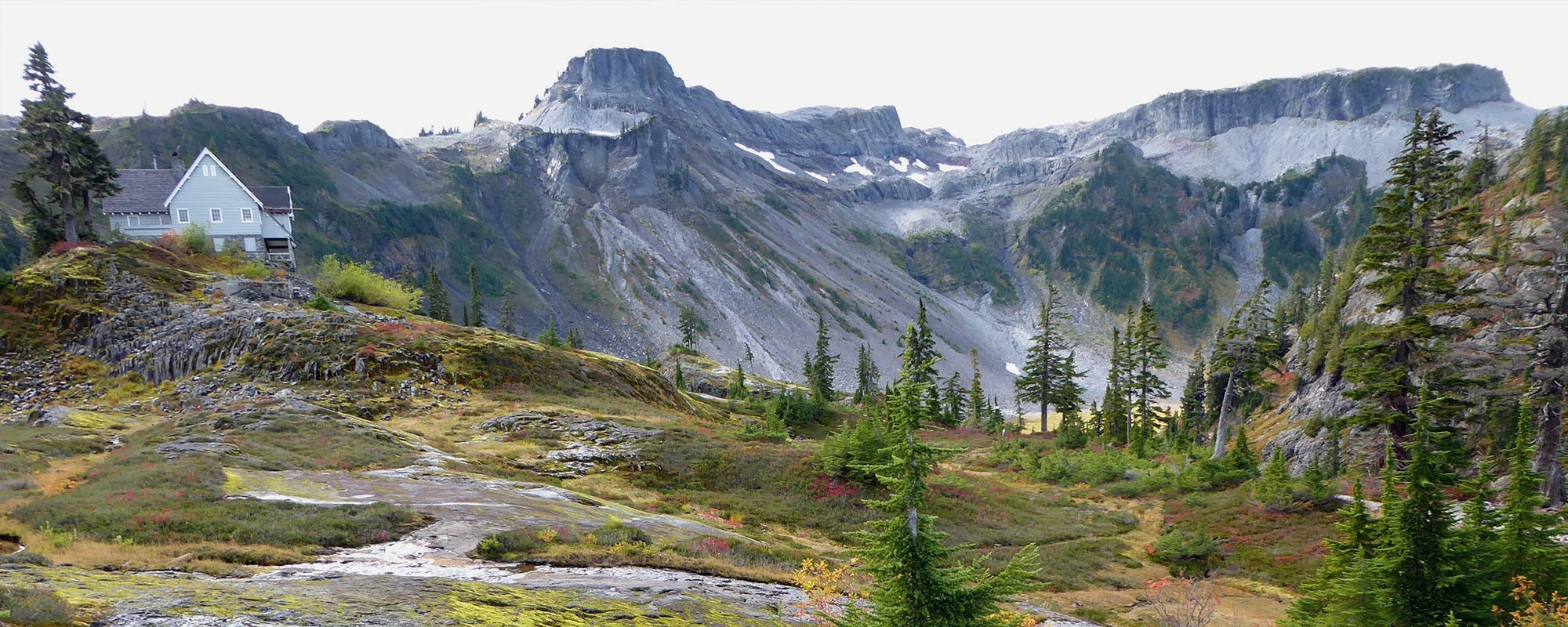 guided fall tours in the north cascades