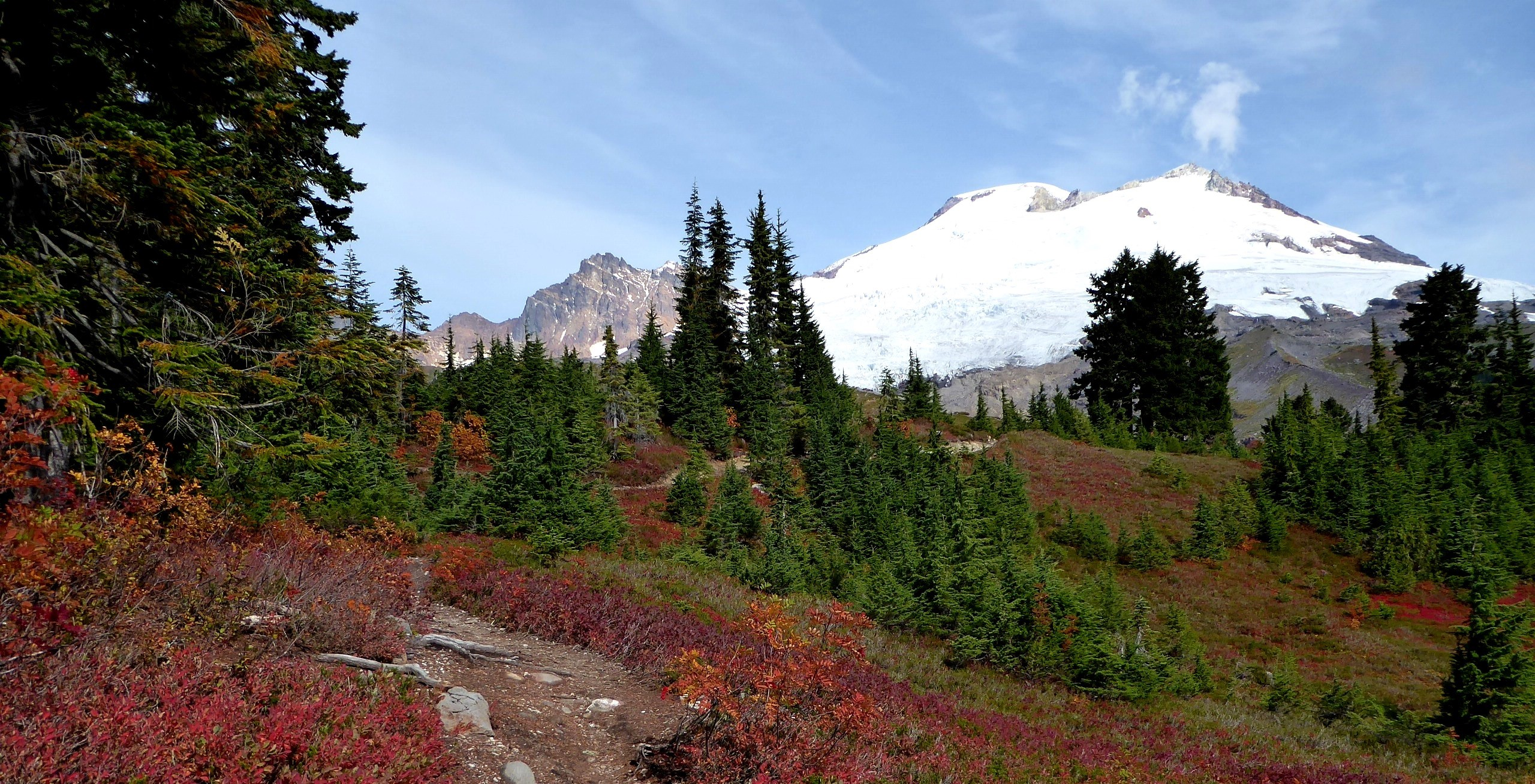 guided fall hikes north cascades